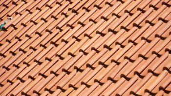 Permalien vers:Comment restaurer un toit en tuile ?